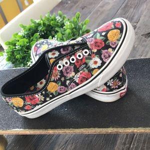VANS floral sneakers 🌺 🌸